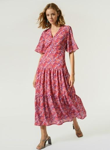 NGSTYLE Kadın Büzgü Detaylı Elbise NGKSS21EL0064 Kırmızı